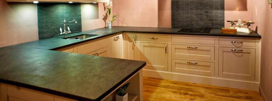 villa courtois vente de meubles sur mesure st malo eb niste saint malo cr ations. Black Bedroom Furniture Sets. Home Design Ideas