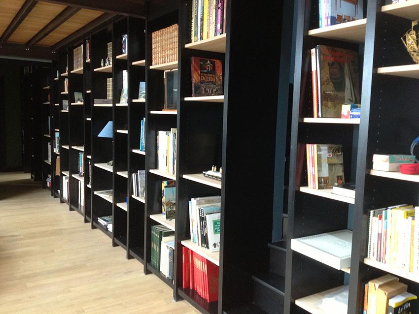 Bibliothèque sur mesure par Villa Courtois